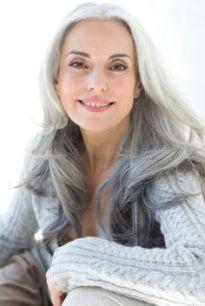 cd64b22cfdb8683bd3a93b7b5b4923c3--ageless-beauty-gray-hairstyles